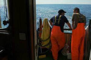 nabu-fishingforlitter-krabbenkutter
